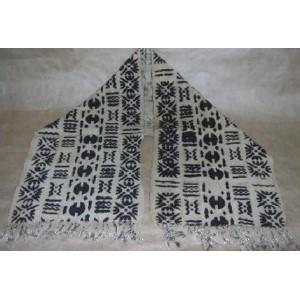 Écharpe en motif noir et blanc (petite) faite par Irène Compaoré