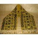 Echarpe de couleur moutarde (petite) faite par Irène Compaoré