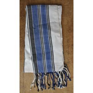 Echarpe en rayures larges faite par Irène Compaoré
