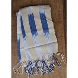 Echarpe en rayures de couleur délavée faite par Irène Compaoré