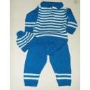 Ensemble pantalon/bonnet en laine de couleur bleue fabriqué par  Zoénabou Savadogo