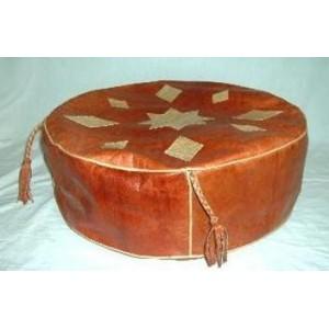 Housse de coussin en cuir confectionnée par Seydou Zouré: