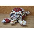 Peluche en tortue confectionnée par Cécile Zoungrana, Amie Ouédraogo, Mariam Ouedraogo & Rasmata Tassambeodo: