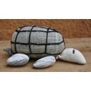 Peluche en tortue confectionnée par Amie Ouédraogo: