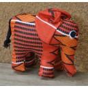 Peluche en éléphant debout confectionnée par Cécile Zoungrana: