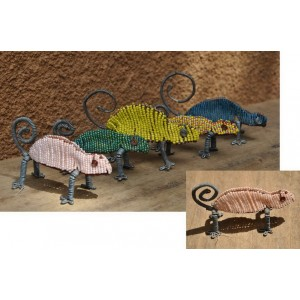 Caméléon recyclé fabriqué par Moise Kargougou