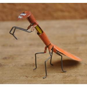 Mante Religieuse Insecte recyclé fabriqué par Moise Kargougou