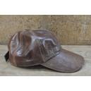 Chapeau de base-ball en cuir marron clair confectionné par Abas Koanda