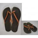 Tongs en cuir de dames fabriqué par Léonard Ouédraogo et Khalifa Sankara.