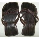Chaussures en cuir dame élégante fabriquées par Léonard Ouédraogo et Khalifa Sankara.