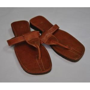 Chaussures dames a compartiment multiples fabriquées  par Seydou Zouré
