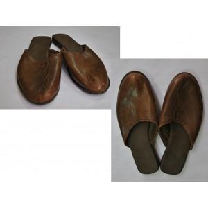 Chaussures simples fabriquées  par Leonard Ouédraogo et Khalifa Sankara