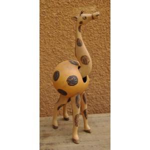 Une girafe qui bouge la tête fabriqué par Evariste Sorgho & Séni Sawadogo