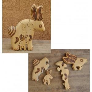 Puzzle d'un lapin pyrogravé par Evariste Sorgho