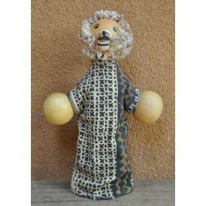 Marionnette maniable à la main en forme d'un lion par Evariste Sorgho & Séni Sawadogo