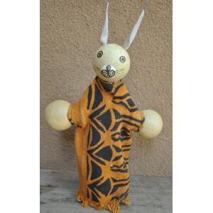 Marionnette maniable à la main en forme d'un lapin par Evariste Sorgho & Séni Sawadogo