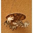 Mobile d'animaux pyrogravés par Séni Sawadogo